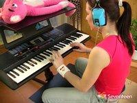 Osmnáctka vykouří učitele hudby