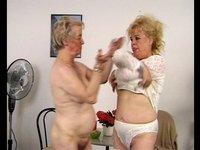 Nadržené babičky 32
