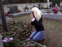 Úchylný hrobník