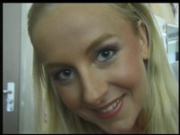 Úchvatná blondýnka Lucie 1