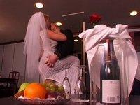 Žhavá svatební noc