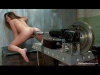 Báječné dívky na šukacích strojích 10