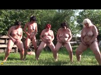 Lesbickej grupáč zralých žen